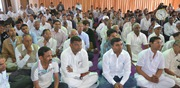 Devotees listening and pondering on Param Pujya Bapji`s labh.