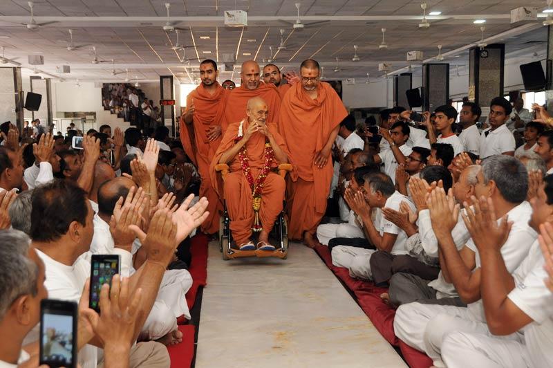 SMVS Swaminarayan Mandir Vasna - Poonam Samaiyo & HDH Bapji Pragtyotsav