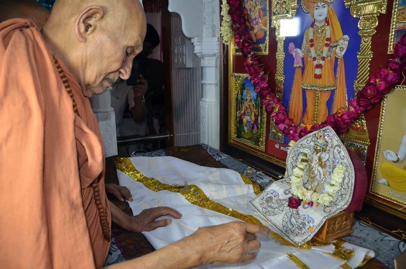 SMVS Swaminarayan Mandir Murti Pratistha - Vamaj