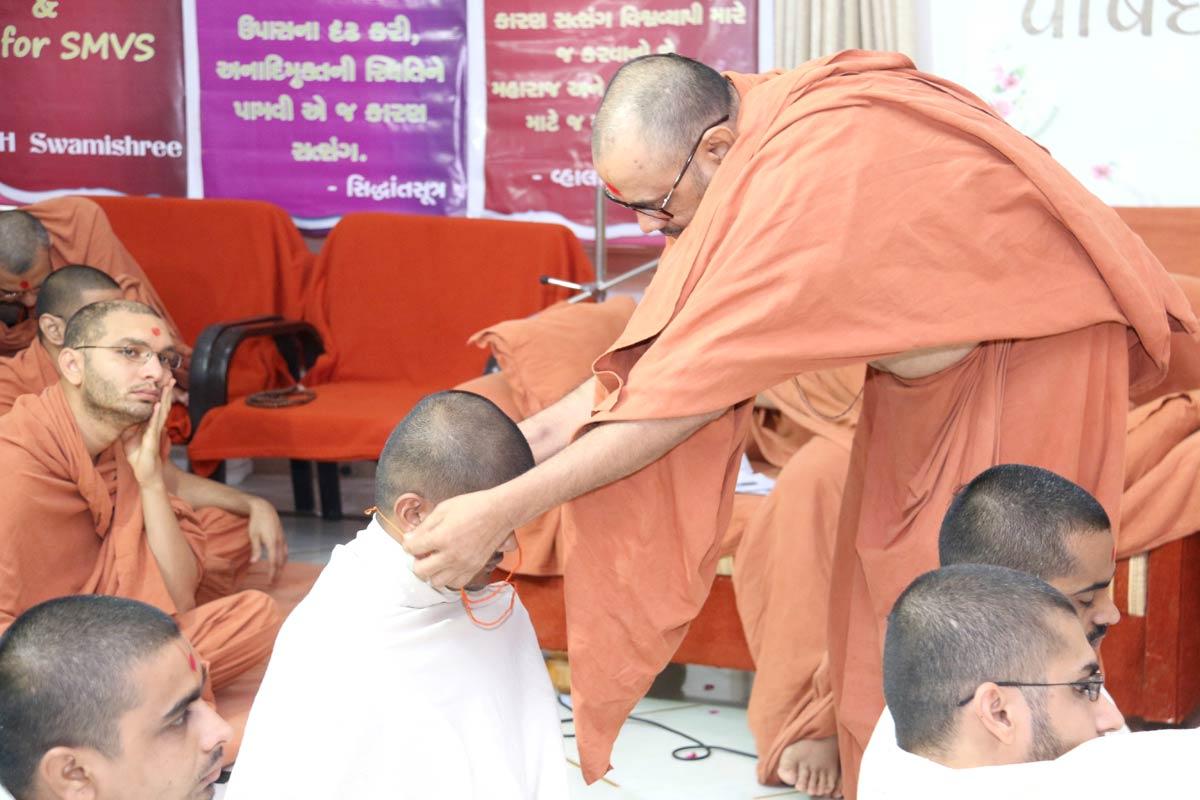 Parshad Dixa Vidhi - Swaminarayan Dham