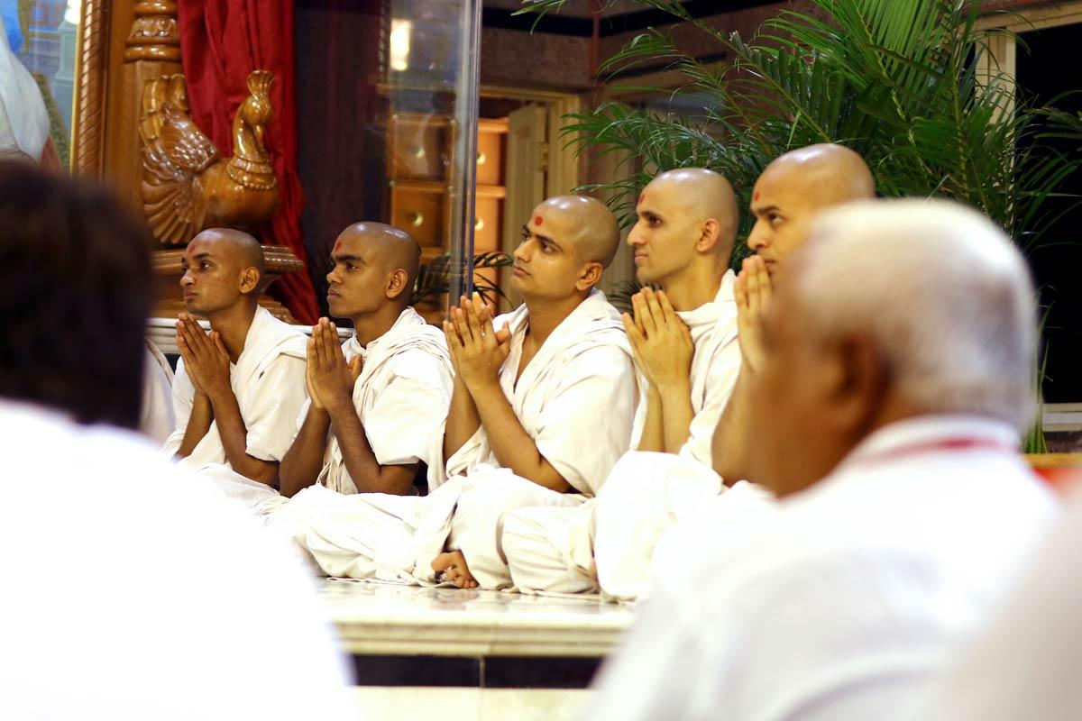 Sant Dixa Vidhi - Swaminarayan Dham