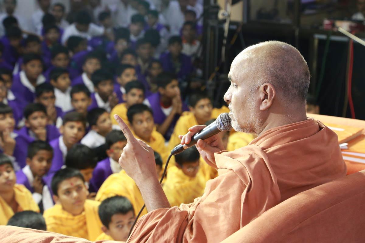 Bal Adhivation - Swaminarayan Dham Gandhinagar