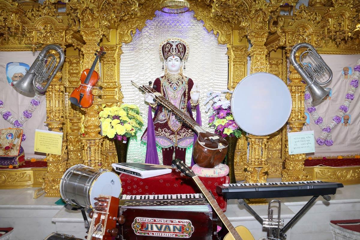 HH Swamishree Dhanurmas Sabha At Ghanshyamnagar,Ahmedabad.