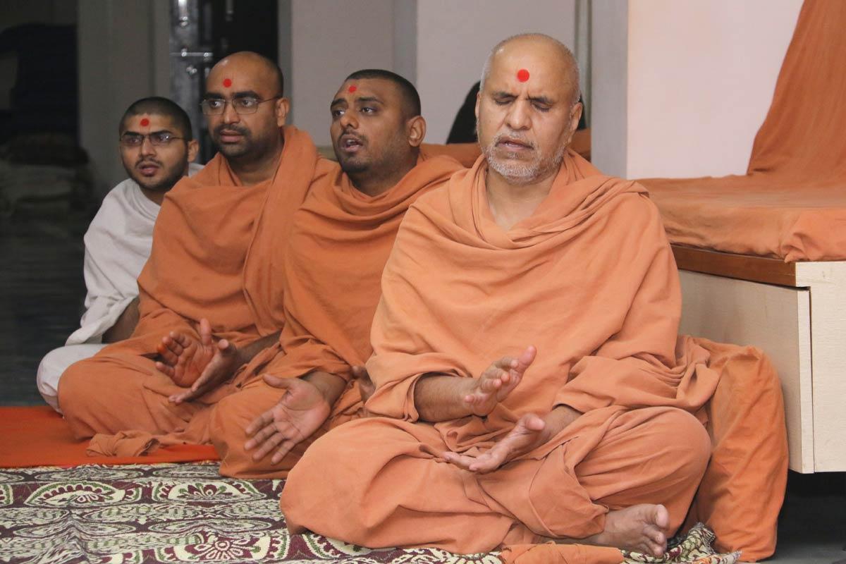 HH Swamishree Dhanurmas Sabha At Godhara