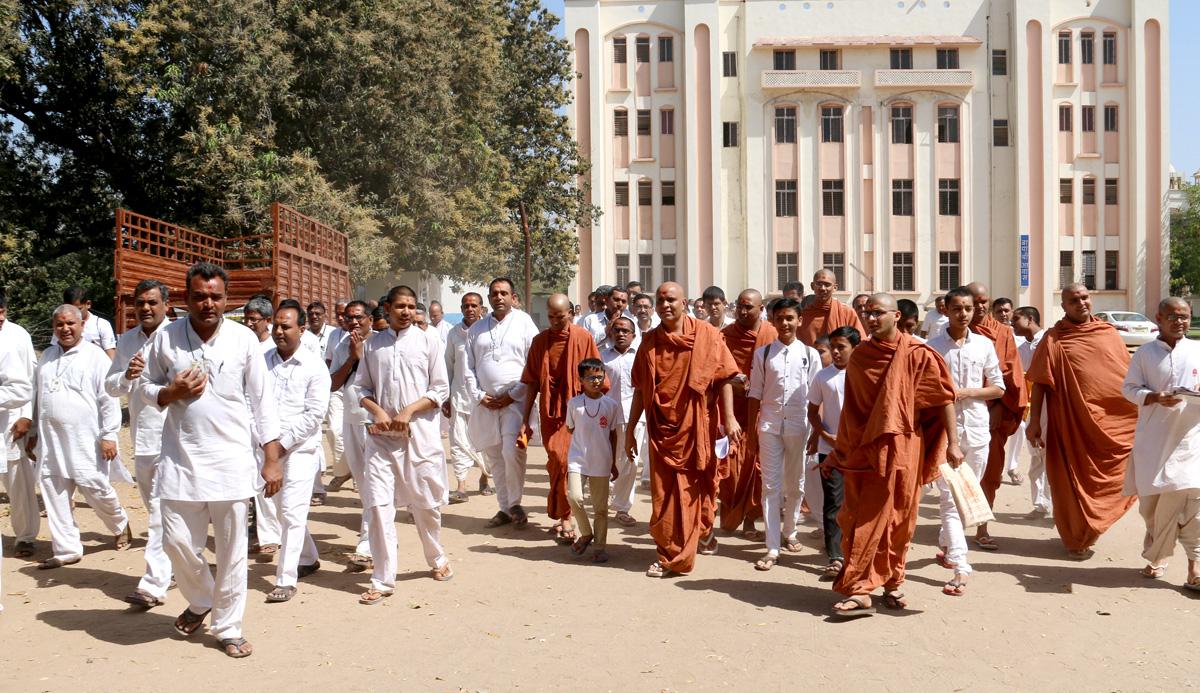 HH Swamishree AYP-PLY Sabha At Swaminarayan Dham-Gandhinagar.