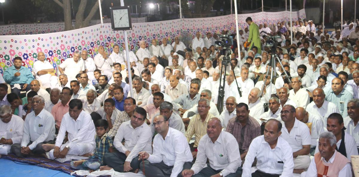 HDH Bapji & HH Swamishree Jaher Sabha At Gorad-Mahesana.