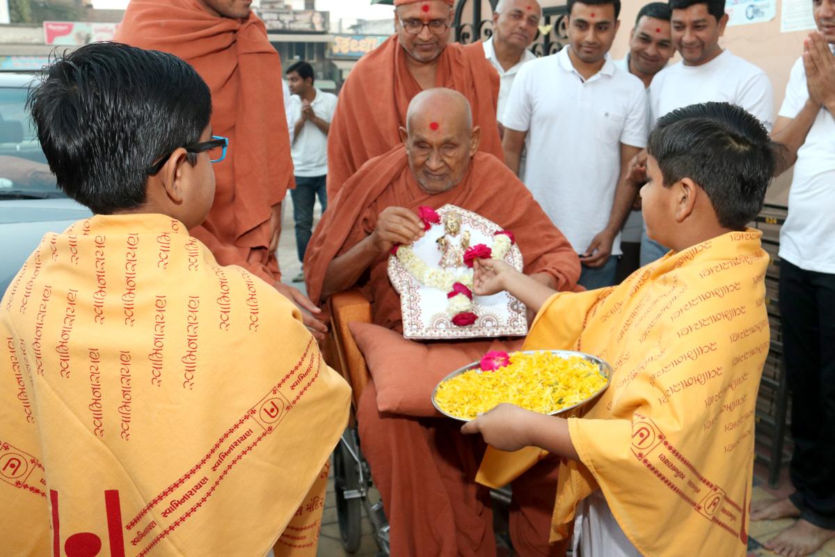 HDH Bapji Pratah Sabha At Ghanshyamnagar