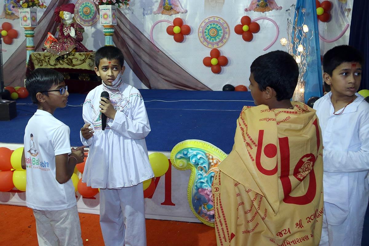 HDH Bapji Vicharan - SBS Shibir, Swaminarayan Dham, Gandhinagar