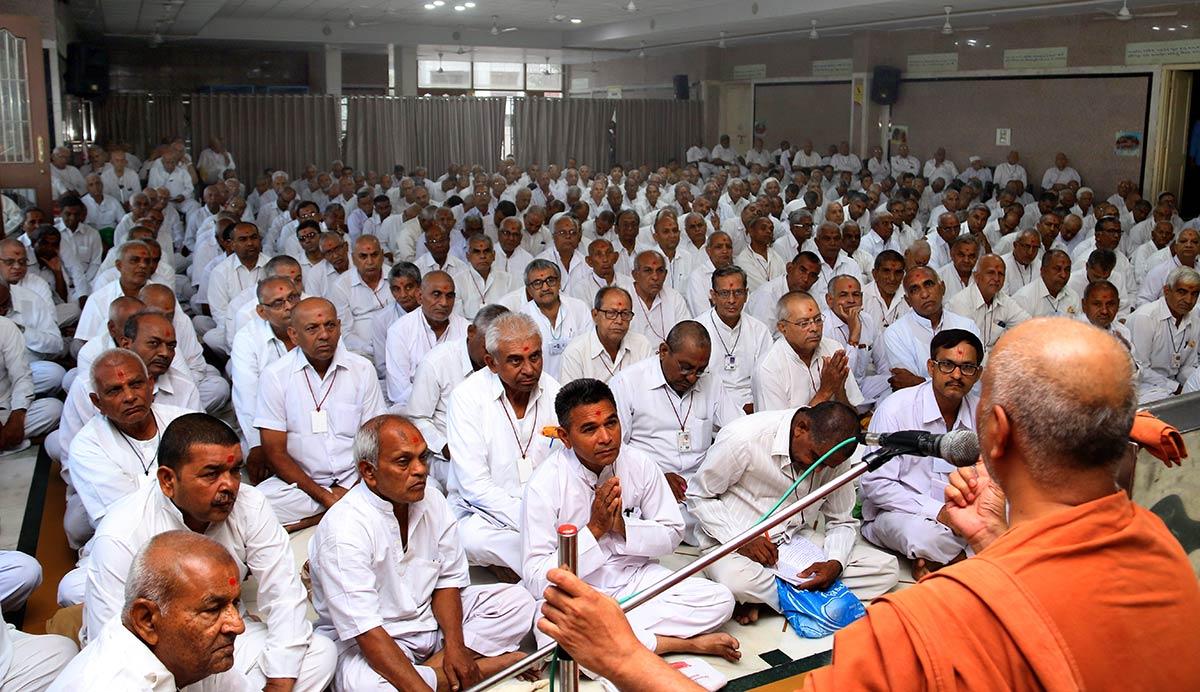 HH Swamishree Vicharan - AVP Camp,Swaminarayan Dham,Gandhinagar