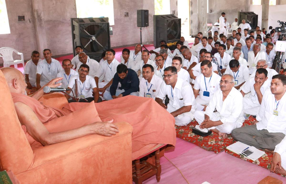 HDH Bapji Vicharan -  Godhara