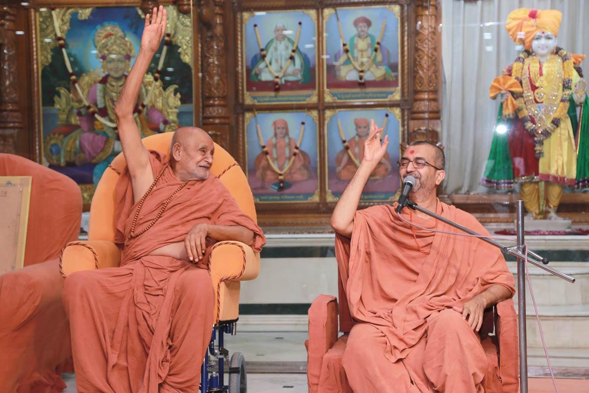 HDH Bapji Vicharan -  Swaminarayan Dham,Gandhinagar