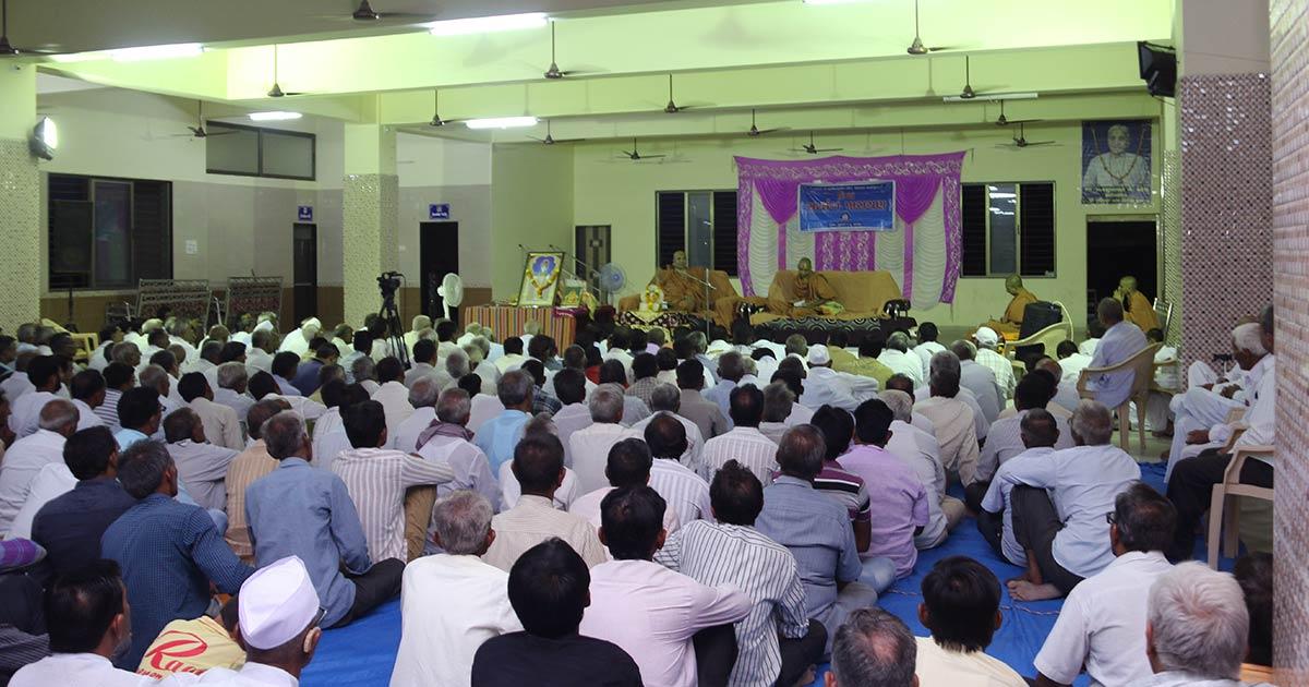 HH Swamishree Vicharan - Mandal
