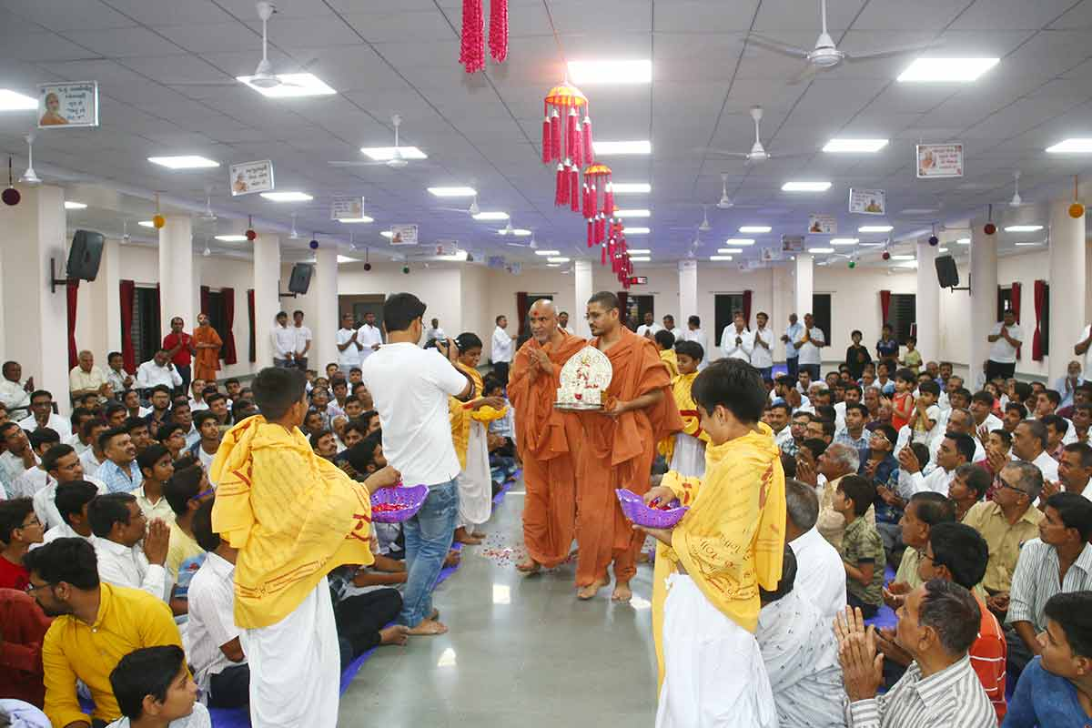 HDH Swamishri Vicharan - April 2019 (16th April to 30th April)