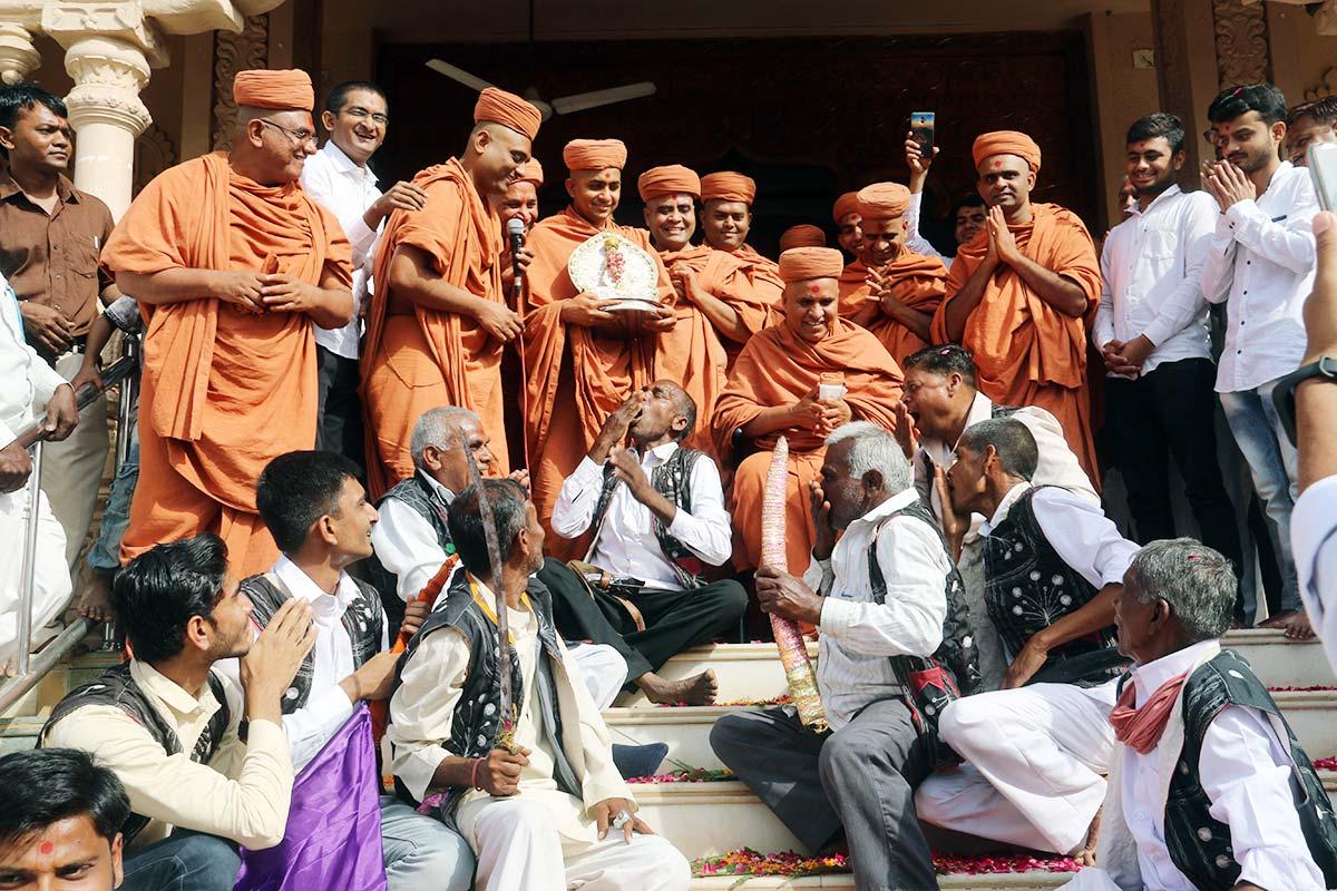 HDH Bapji 87th Pragatyotsav Celebration - Godhar