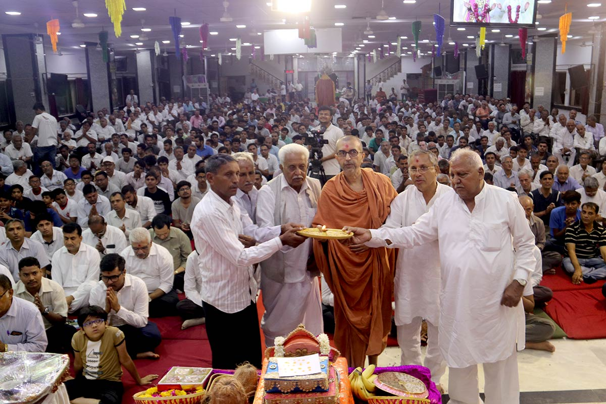 HDH Swamishri Vicharan - May 2019 (1st May to 15th May)