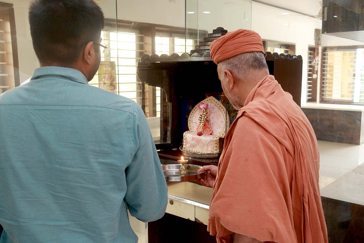 HDH Swamishri Vicharan - June 2019 (16th June to 30th June)