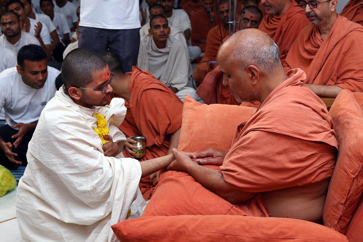Parshadi Dixa Vidhi - 2019 - Swaminarayan Dham