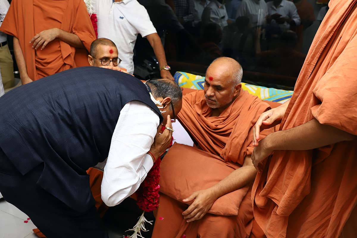 HDH Swamishri Padhramni - Naroda