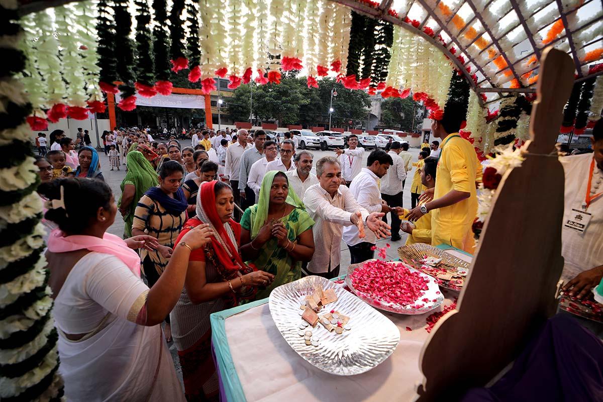 HDH Bapji Divyanjali Sabha - Surat