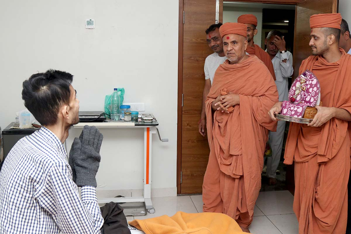 HDH Swamishri Vicharan - October 2019 (1st October to 15th October)