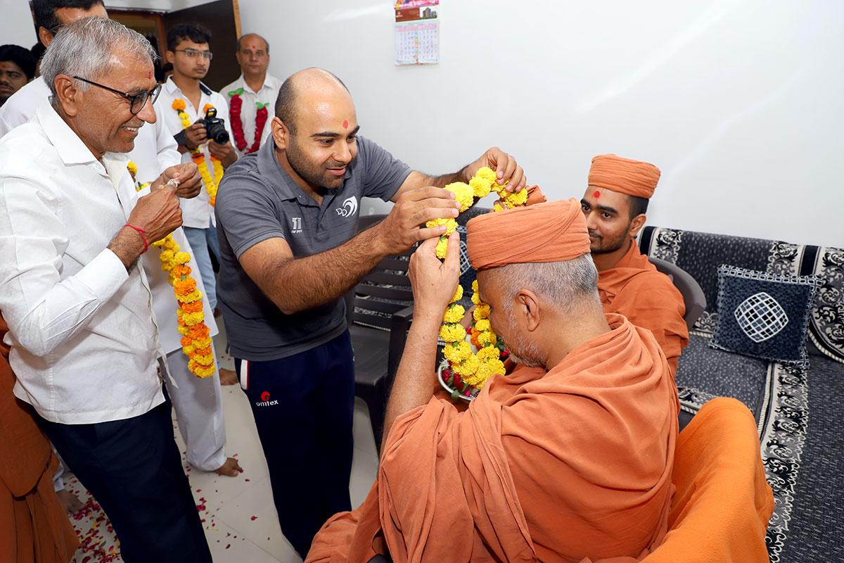 HDH Swamishri Padhramni - Ghatlodia