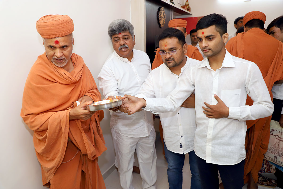 HDH Swamishri Padhramni - Gota