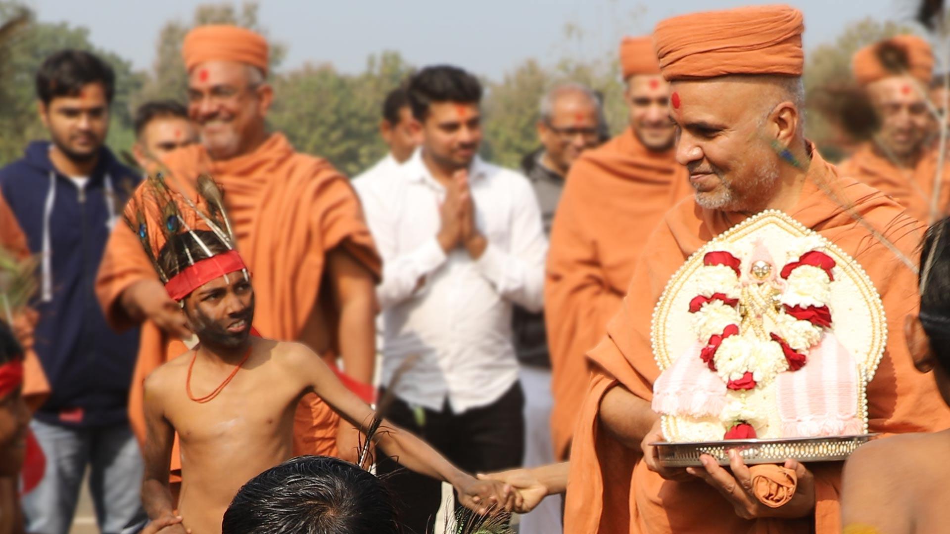 HDH Swamishri Vicharan - January 2020 (1st January to 15th January)