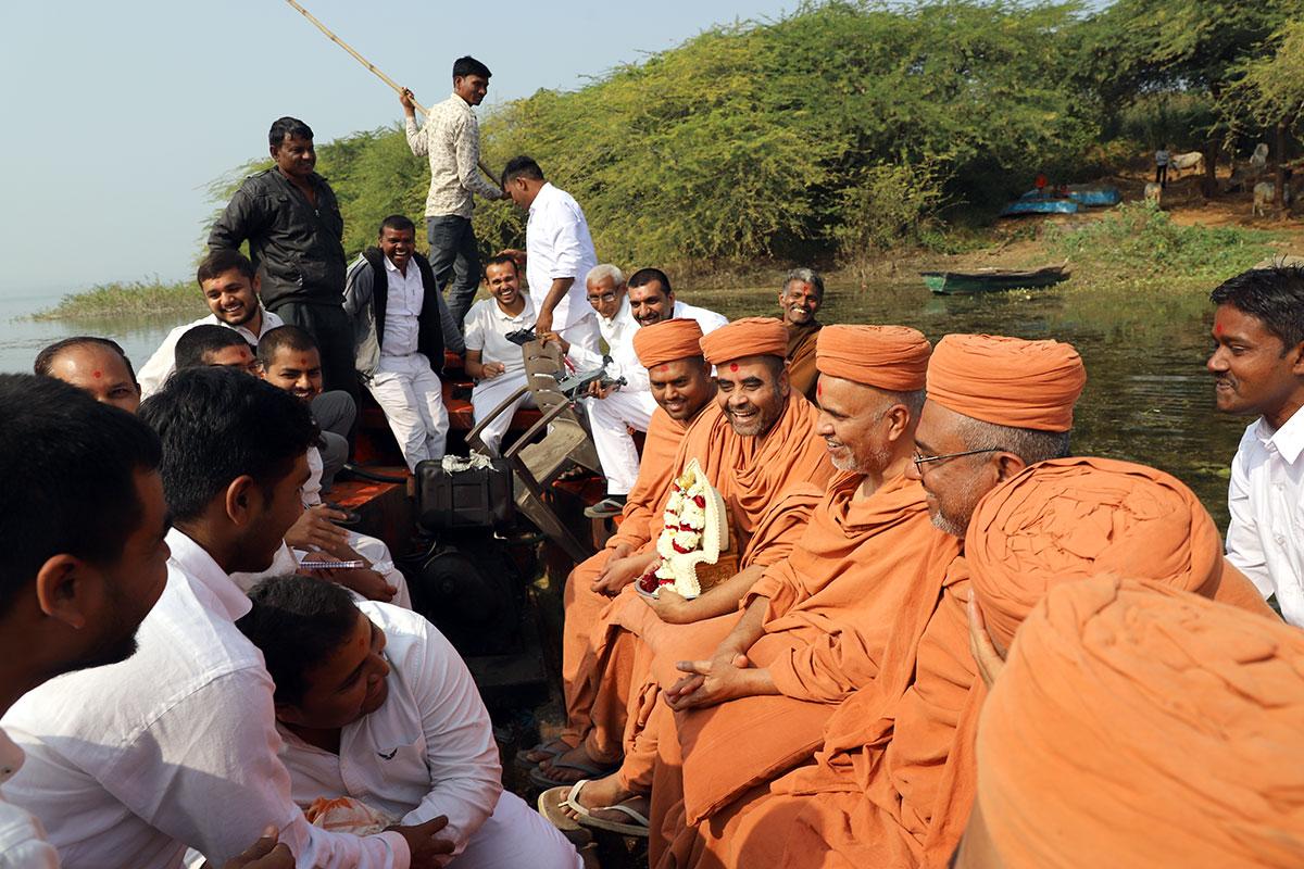 Godhra - HDH Swamishri Padhramni