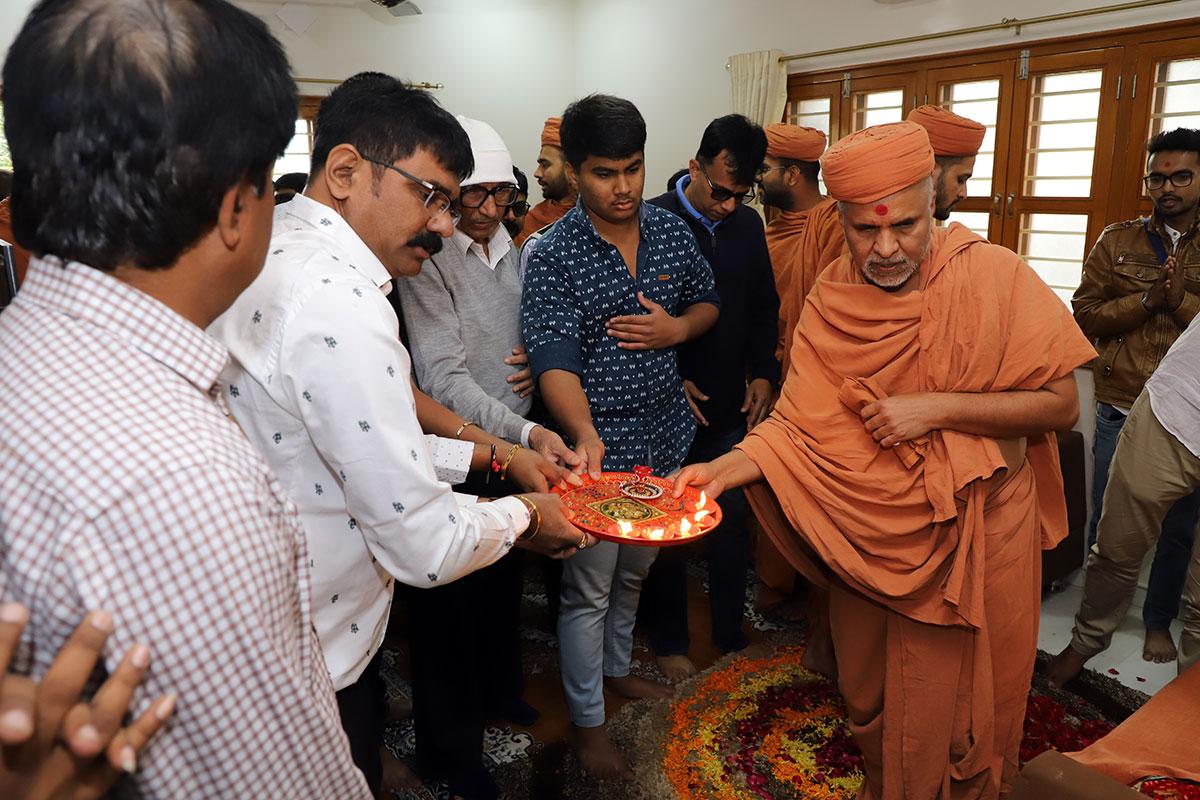 Mehsana - HDH Swamishri Padhramni