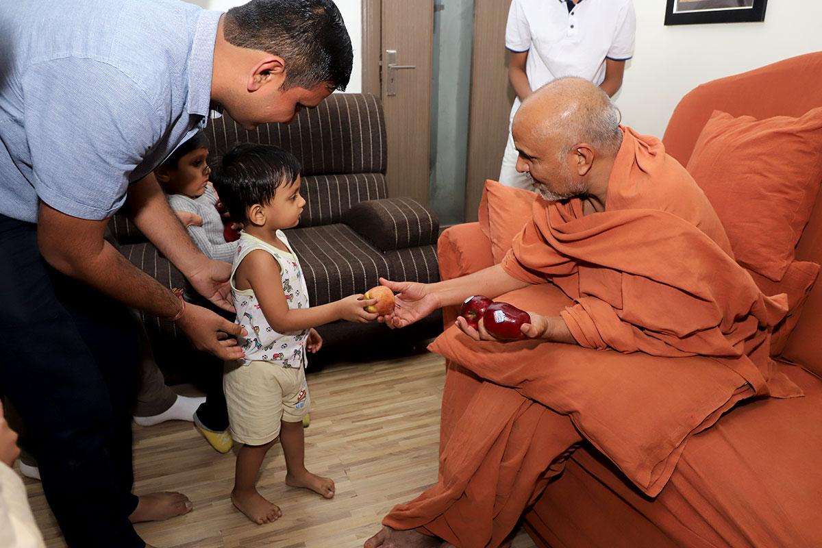 Samip Darshan at Swaminarayan Dham