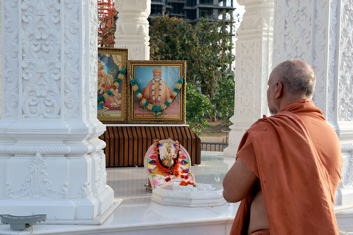 Anadimukta Pithika Darshan at Swaminarayan Dham