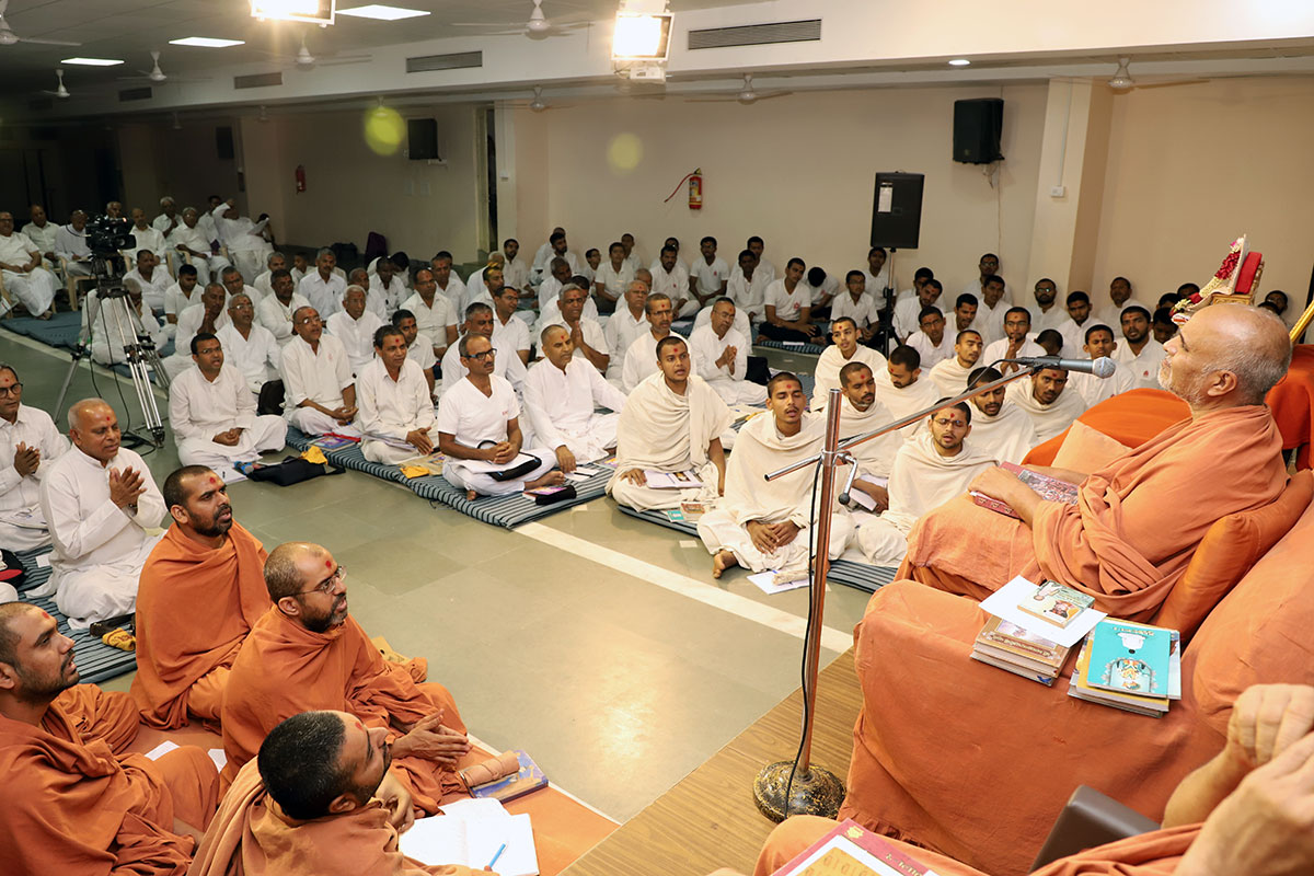Pre-Mumuxu Camp at Swaminarayan Dham
