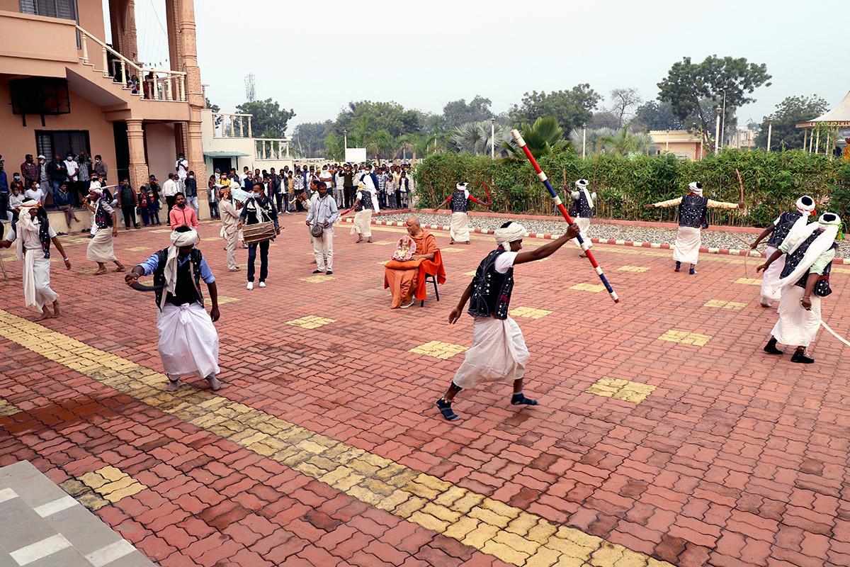 Godhra - HDH Swamishri Vicharan