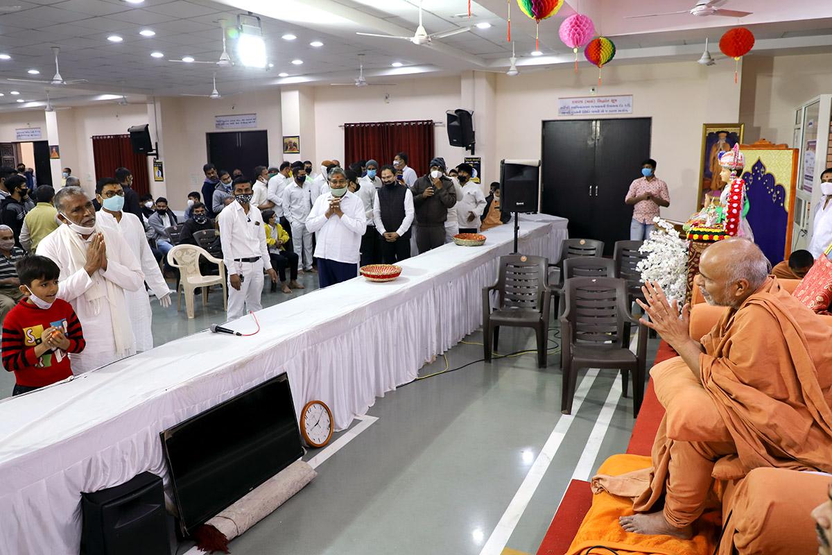 Bhavnagar - HDH Swamishri Vicharan