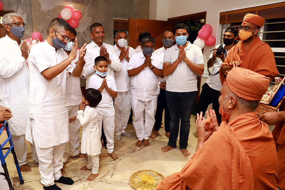 HDH Swamishri Vijapur Padhramni