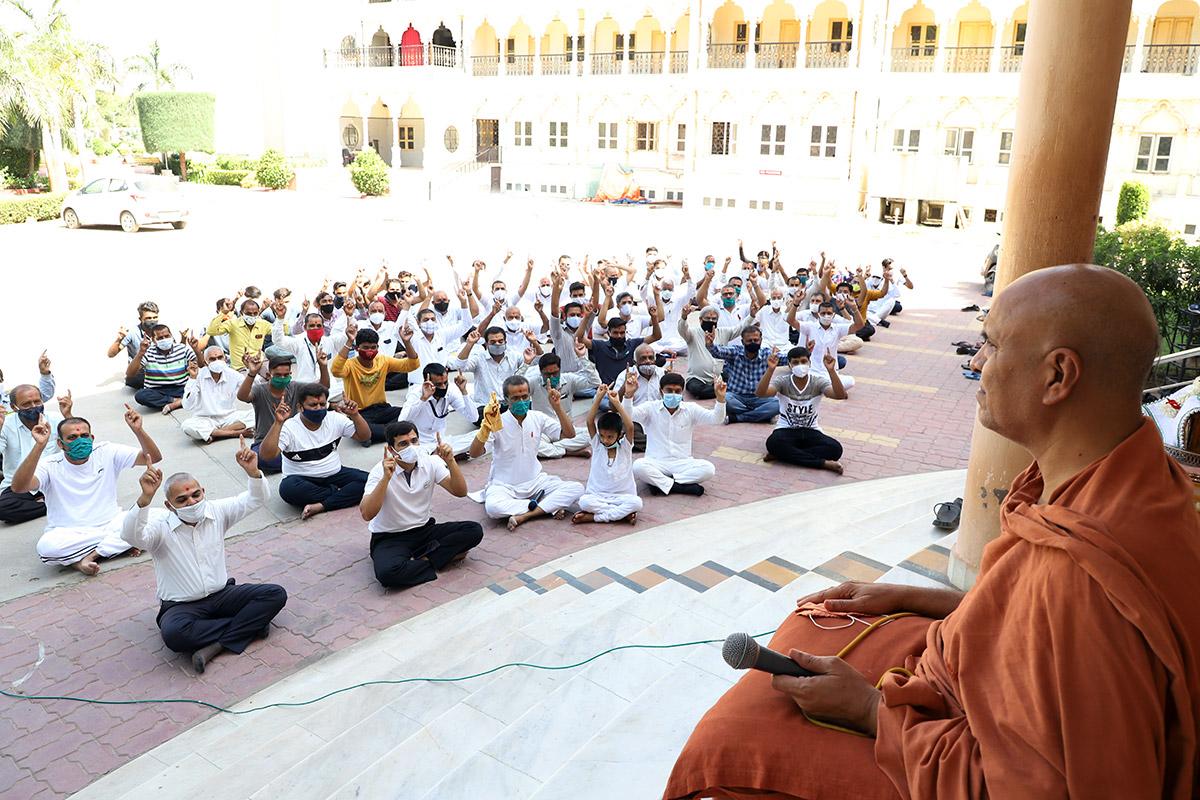 HDH Swamishri Vicharan   May, 2021
