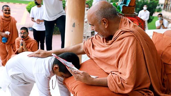 HDH Swamishri Vicharan   June, 2021