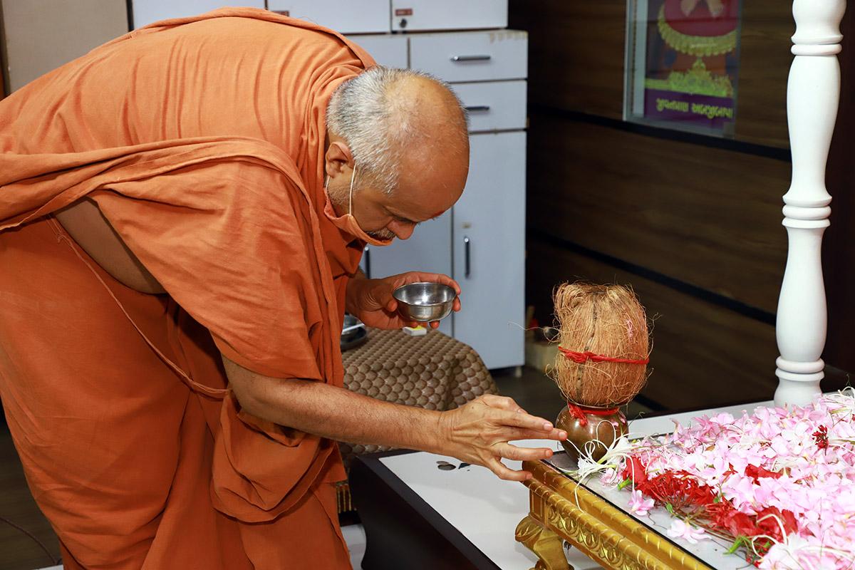 HDH Swamishri Vicharan | 1 to 15 July, 2021
