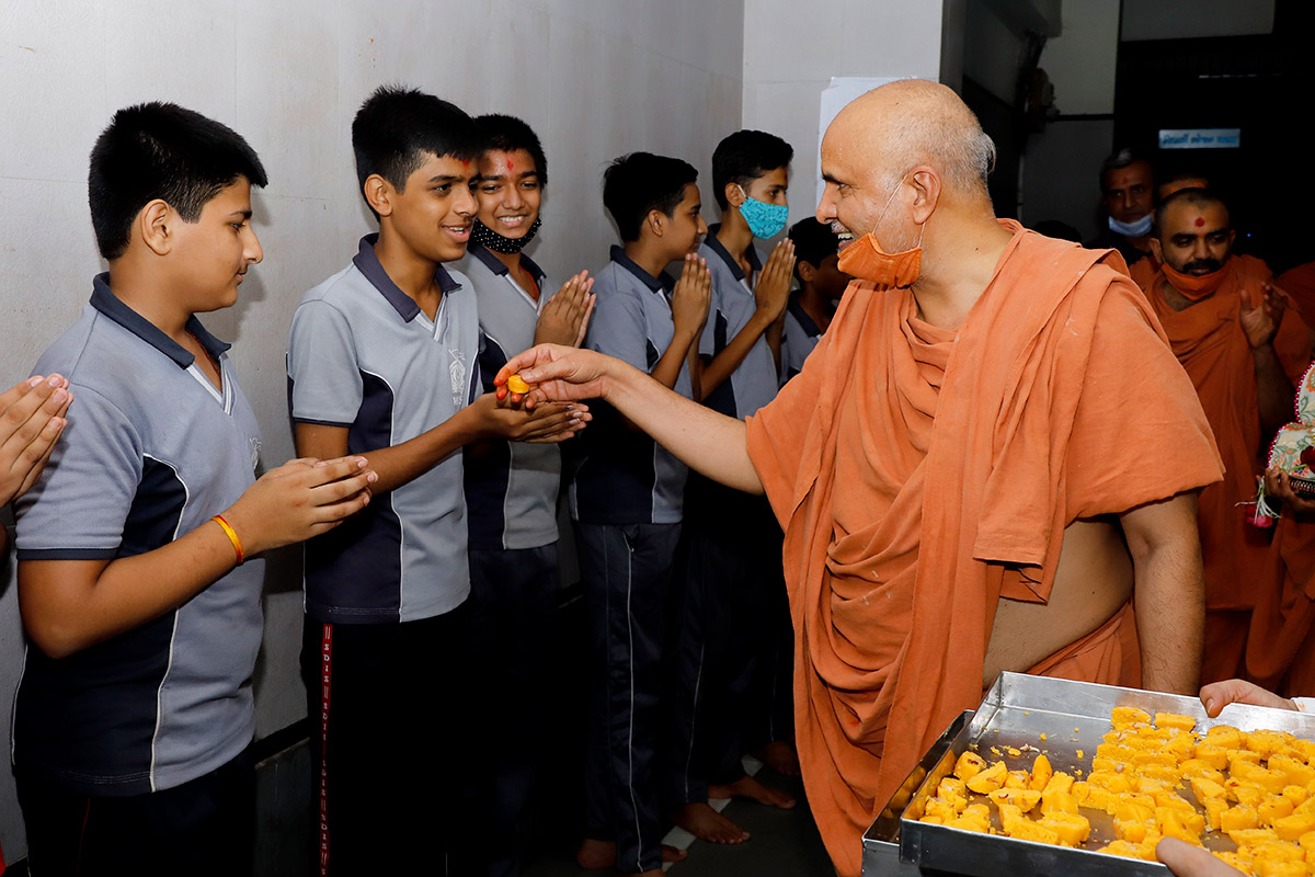 HDH Swamishri Divya Labh - Gurukul