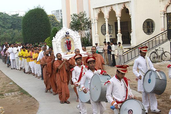 Jal Zilani Ekadashi Utsav - Swaminarayan Dham