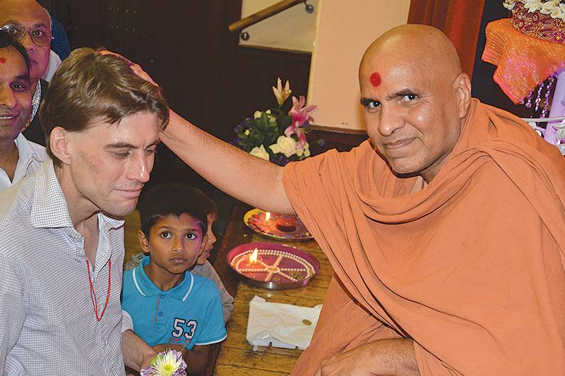 HH Swamishree Vicharan - UK