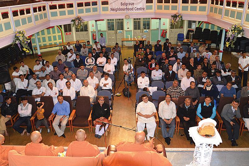 HDH Swamishri Vicharan - UK