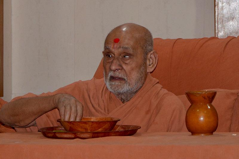 SMVS Swaminarayan Mandir Vasna - Poonam Samaiyo & HH Bapji Pragatyotsav