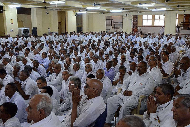 Spiritual Vadil Camp - Swaminarayan Dham