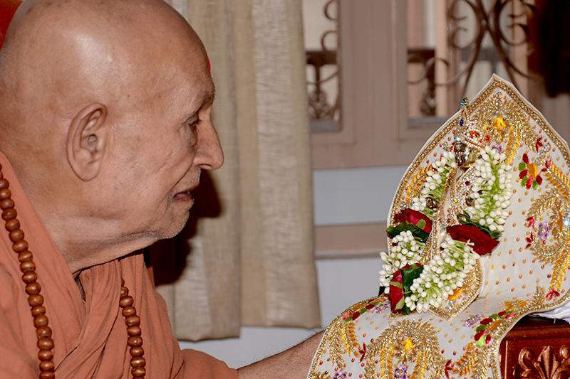 Harikrishna Maharaj Pratistha