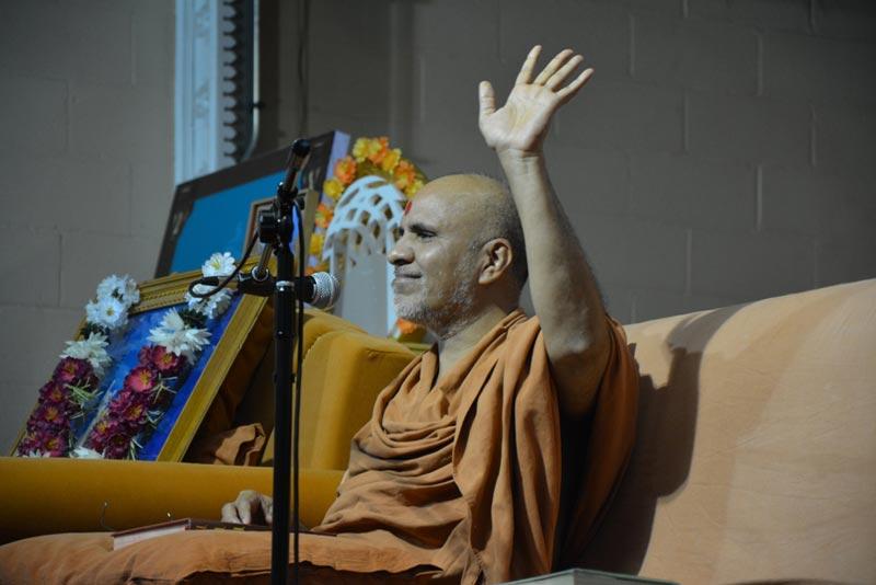 HDH Swamishri Vicharan - SMVS Swaminarayan Mandir JC, NJ