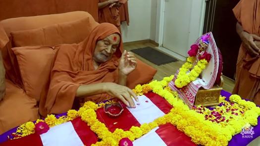 HDH Bapji Divya Darshan & Ashirwad (21-10-18)